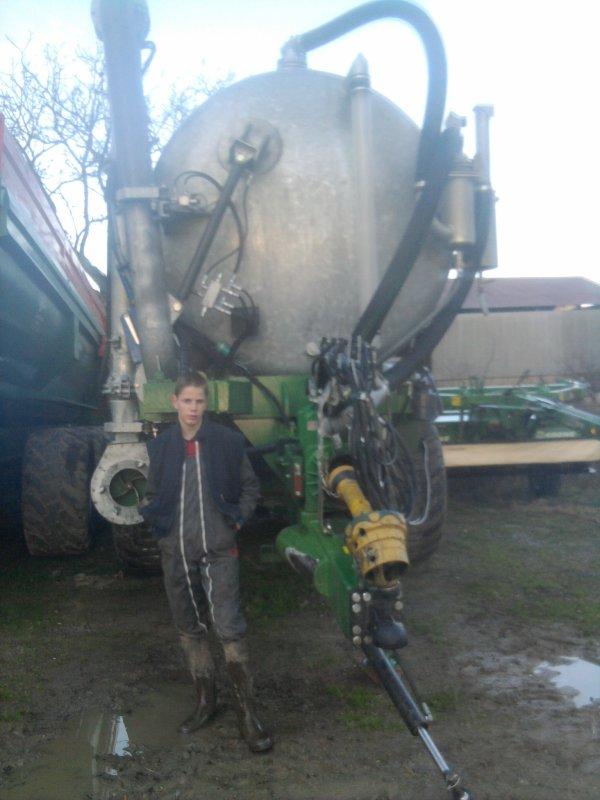 remorque 24 t+ tonne a lisier 24 mille litres