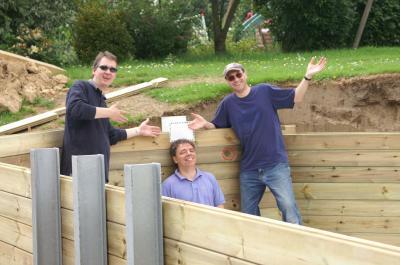 Skimmer pos l 39 quipe est fabuleuse construction de for Construction piscine bois