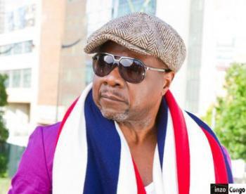 "Papa Wemba en feat avec JB Mpiana dans ""Maître d'école"""