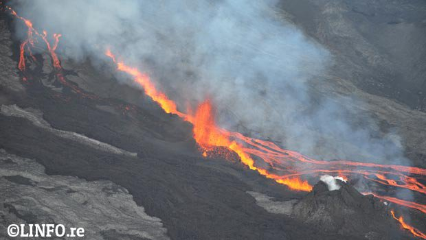 Piton de la Fournaise - Éruption Mai 2015