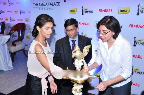 ∬ Asin ∬ @ 57th Filmfare conference PART 1