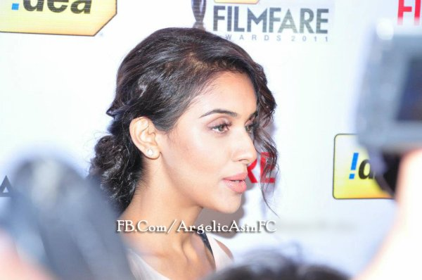 ∬ Asin ∬ @ 57th Filmfare conference PART 3