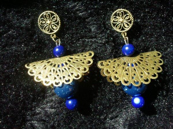 Boucles bronze et bleu nuit