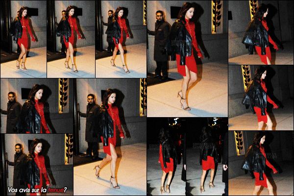 ..    14/02/2017•Selena Gomez a été aperçue quittant son hôteldans une belle robe dansNew York City. Elle portait une petite robe rouge qui lui allait très bien, je l'aime beaucoup, on peut lui accorder un beau top. Qu'en pensez vous? .