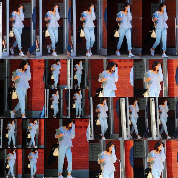 .. 03/10/2017▶ Selena Gomez a été vuequittant son appartement dans la ville de New York, aux États-Unis ! La belle se rendait comme tous les jours en ce moment, sur le set du prochain film de Woody Allen. Joli top, simple, mais un look qui lui va très bien. .
