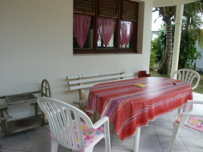 TERRASSE BUNGALOW GOYAVE
