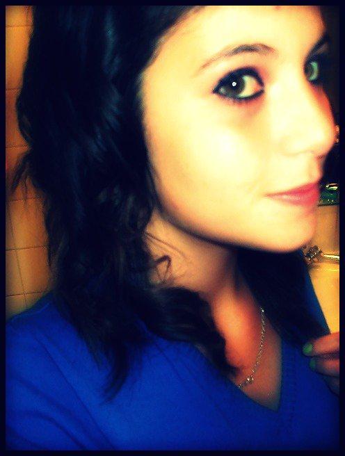 Le sourire peux cacher beaucoup de choses .