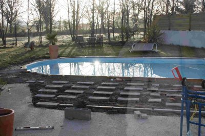 Si on faisait une terrasse en bois ou un deck de piscine a pourrait le f - Pente terrasse exterieure ...