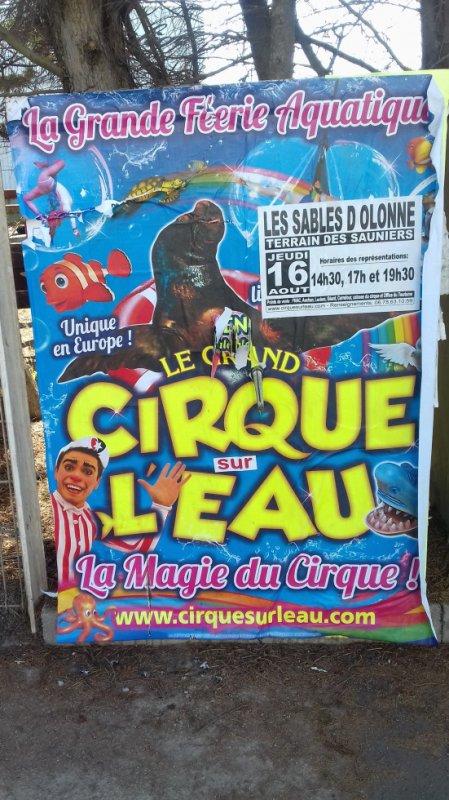 """""""Reportage lucrio numėro 1:""""Le cirque sur l'eau aux Sables d'olonne""""."""
