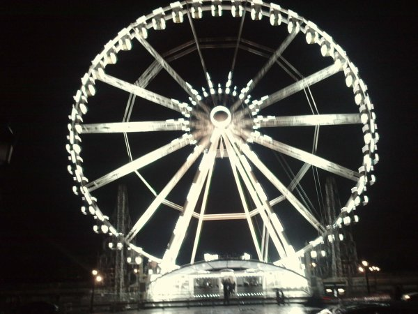 hummm  la grde roue !!!!