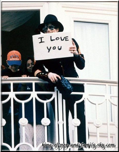 ★ Conrad Murray sera jugé pour la mort de Michael Jackson ★