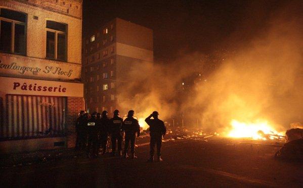 Violences urbaines à l'Épeule après la victoire de l'équipe de foot d'Algérie