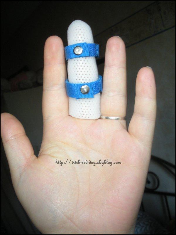 et un doigt casser