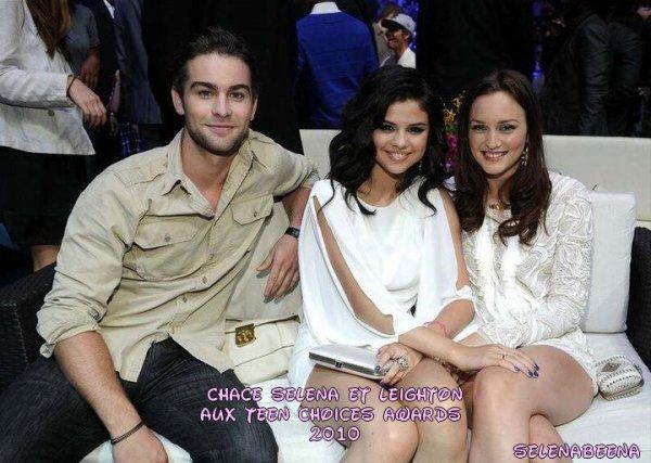 Chace crawford,selena & leighton au teen choices awards 2010