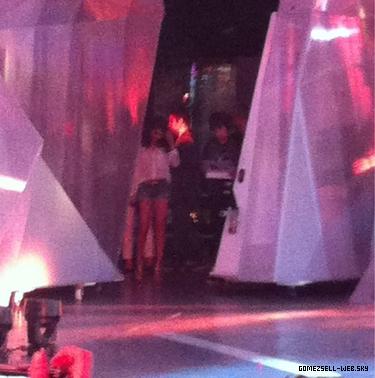 19/06/12 Selena poste des photos de MMVA et DS2DIO