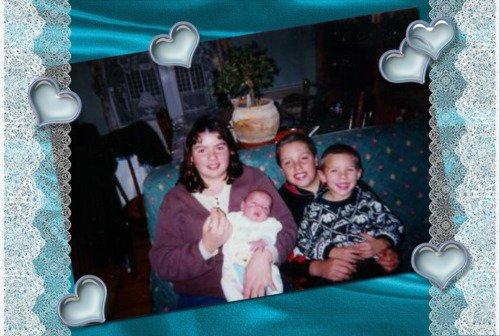 ADAM avec sa soeur et ses freres