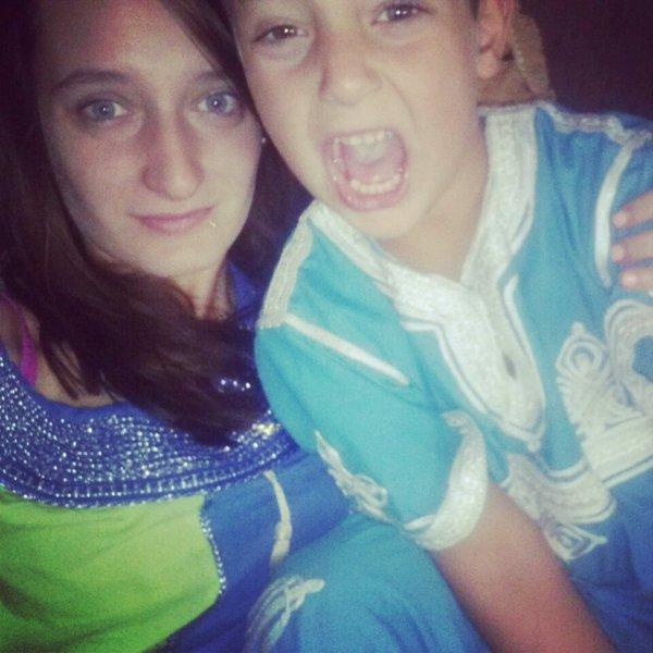 C'est mon petit frère, brise lui le coeur et je ferais en sorte que ta mort ressemble a un accident. ♥
