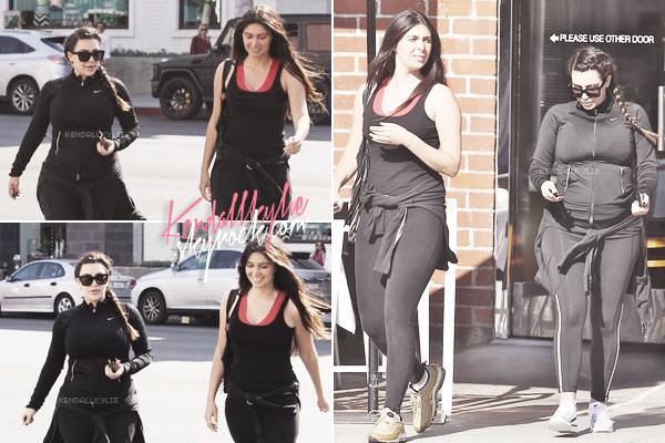 11 MAI 2013 :Kim Kardashian va au restaurant Chin Chin avec son amie Brittany Gastineau.