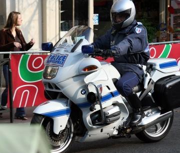Police municipale moto bmw police - Jeux de motos de police ...