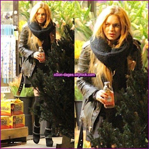 ♥ 20/12/13 : Lindsay dans NYC + Quelques photos personnelles de Lindsay + Tweet de Lindsay  ♥