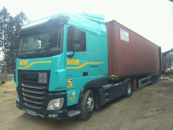 DAF XF 460 4x2 des transports MGE d Épinal 88