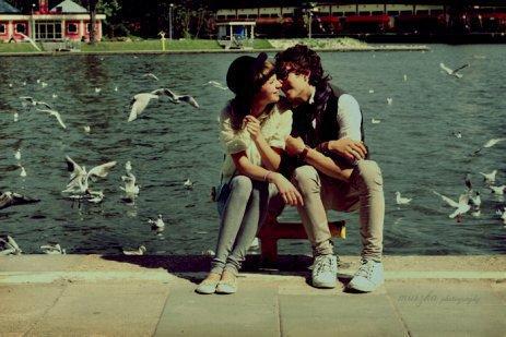 L'amour c'est : Fort comme l'alcool, doux comme le miel, épicé comme les piments.