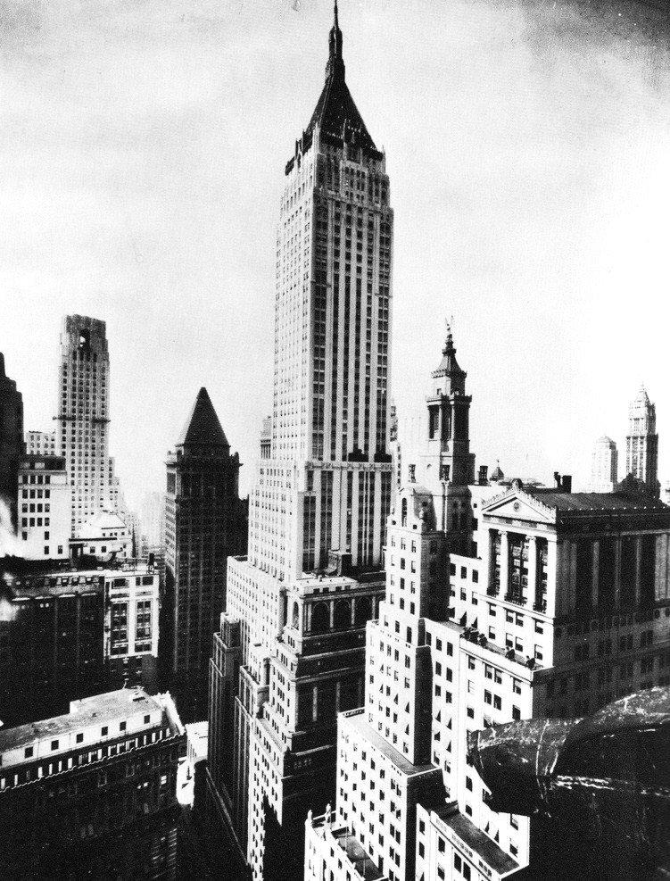 21 mai 1930 le chrysler building est un gratte ciel for Plus haute tour new york