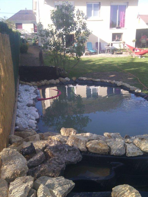Le bassin et mis en   eau