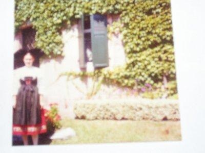 me voici dans mon costume Alsacien photo de juillet 1975