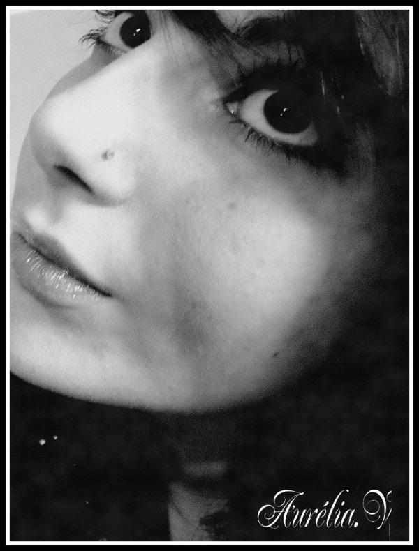 """__"""" Je t'aime déraisonnablement, anormalement, follement et je n'y suis pour rien. C'est de ta faute tu es magnifiques. Serre-moi par la penser dans tes bras et dis-toi que rien au monde ne compte en dehort de toi pour moi. """" Edith Piaf"""