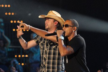 Top 5 Memorable Moments from the CMT Music Awards