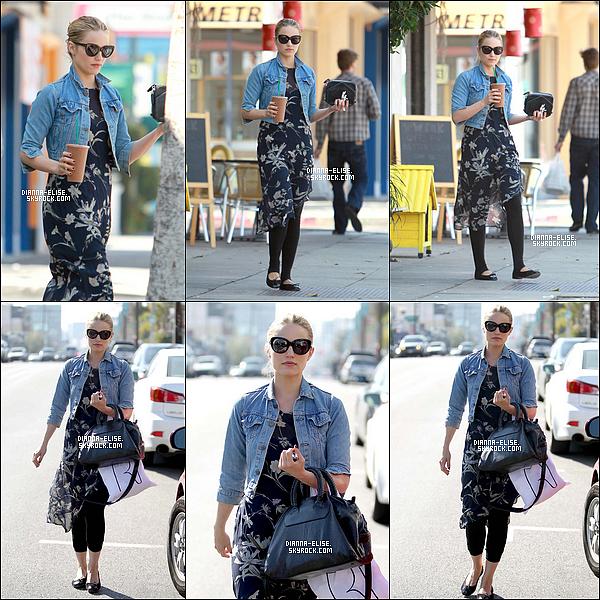 _  22/02/12 - Dianna à été aperçu sortant d'un bar-café au Juice Bar,à West Hollywood, Los Angeles.-Ton avis?_