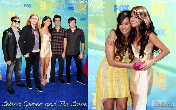 . Selena aux Teen Choice Awards 2011 sur le red carpet et une vidéo dans les coulisses (clique)  .