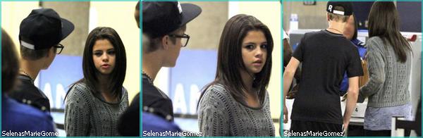 ". Le 19 septembre dernier Selena a chantée ""Love You Like a Love Song"" chez Jay Leno.  ."