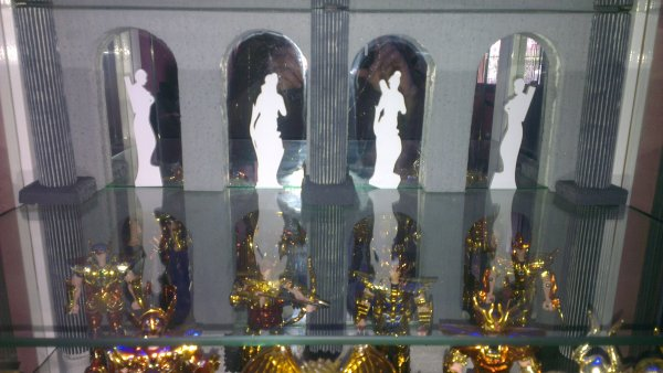 vitrine saint seiya.