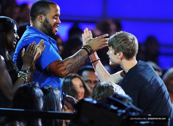 VH1 DO SOMETHING AWARDS [ SHOW ]