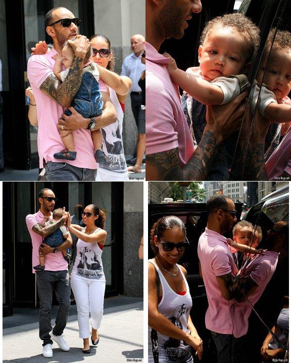 Alicia et Swizz a montré leur fils Egypte Daoud Ibarr Dean à New York le jeudi 7 Juillet. Le petit garçon adorable est susceptible de rapidement devenir une célébrité, s'il continue à apparaître dans les séances de photo avec ses fiers parents .