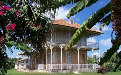 Maison hant e en guadeloupe normal paranormal for Acheter une maison en guadeloupe