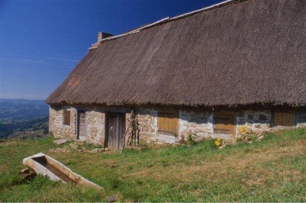 La ferme aux aiguilles... Hantise, supercherie ou sorcellerie ? (Auvergne)