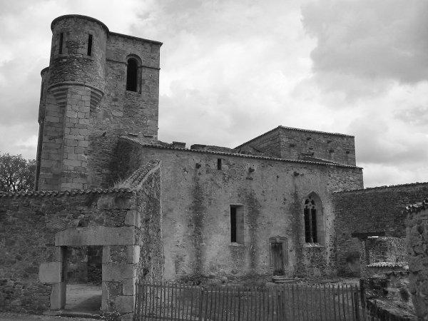 Les  âmes tourmentées d'Oradour-Sur-Glane (87)