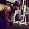 Le poids des soucis c'est musculation, musculation, musculation Il faut prévoir si jamais ta vie bascule maîtriser la chute quand elle débute en majuscule