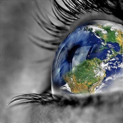 Garde les yeux grands ouverts car un jour il faudra les fermer..