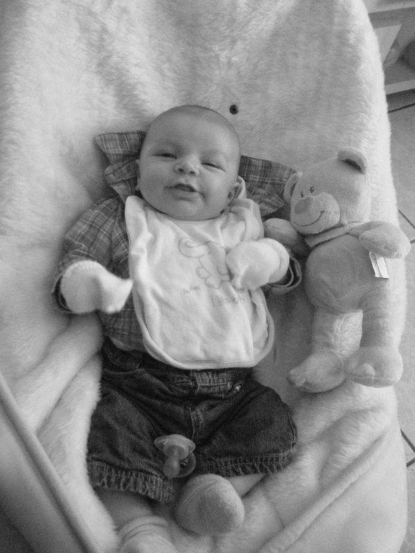 notre pti bébé d'amour a 1 mois et 5jours