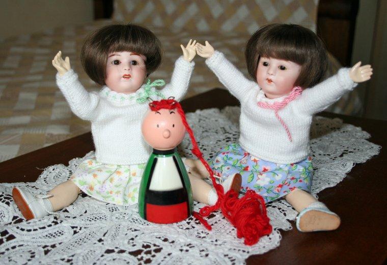 Nine et Nane en lèvent les bras au ciel
