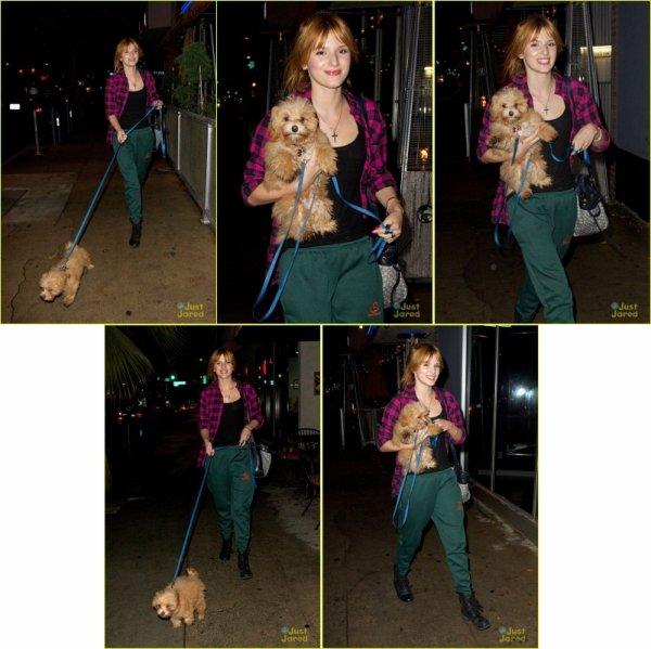 8/11/12: Bella s'est rendue au tournage d'un clip à Los Angeles avec son chiot Kingston!
