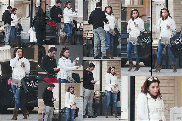 * 31/01/16 : Eva a été aperçu avec son fiancé Jose  pendant une journée shopping        dans les rues de - Beverly Hills. Eva  semble s'être fait plaisir en ayant acheté quelques articles. Sa tenue est  simple et decontracté pour sortir faire les magasins - un  TOP    ! *