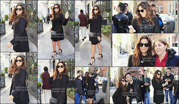 * 01/04/16 :- Eva  a été aperçu quittant son hotel pour ce rendre a un      évenement      lors de son passage en -  Italie.   Eva a vu quelque un de ses fans entrain de l'attendre devant son hotel, elle a donc décidé de faire des photos avec eux - sympathique     ! *