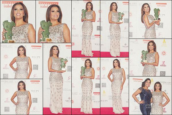 * 02/04/16 : Eva  était présente lors de la soirée      Global Gift Gala      qui se sont déroulés dans   Madrid - Espagne.   Eva porte une robe longue  très jolie avec une couleur qui va parfaitement avec sa peau se qui donne un magnifique mélange   un TOP    ! *