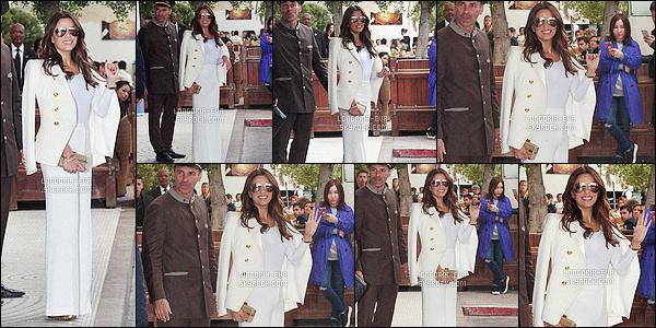 * 13/05/16 : Eva était présente au  Global Gift Gala 69th Annual cette fois ci qui se déroulait dans - Cannes.   Eva porte une sompteuse robe un peu beige qui est juste magnifique avec les chaussures qui vont avec c'est juste parfait -  c'est  TOP    ! *