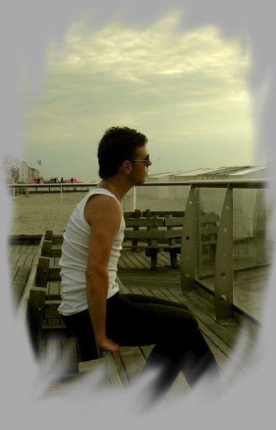 Moi => Anthony, 19 Ans, En Couple, Aime Sa Chérie Plus Que Tout :$ (l)
